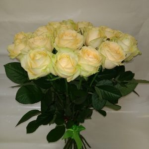 Персиковая роза 60 см 25 штук вид сверху