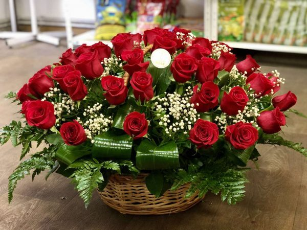 Корзина красных роз 51 шт с доставкой