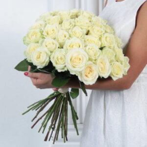 Роза белая 60 см 45 штук