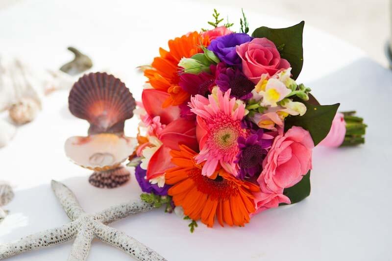 Букет тропических цветов