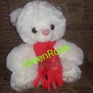Мишка в красном шарфике