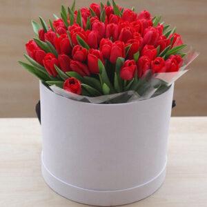 51 тюльпан в коробке № 18