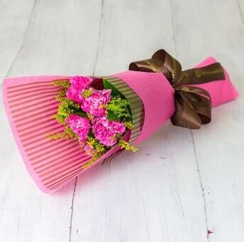 Букет из 5 розовых гвоздик №159