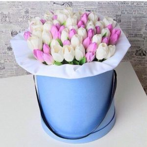 51 тюльпан в коробке № 20