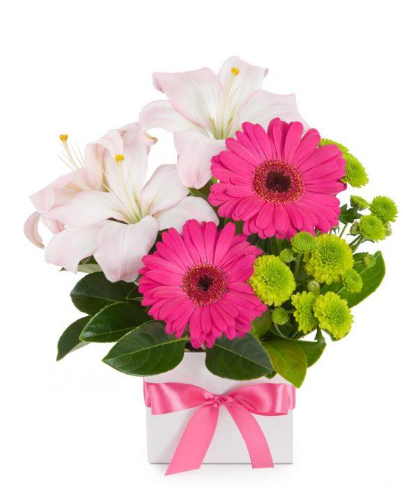лилия, гербера, хризантема, зелень, коробка, оазис