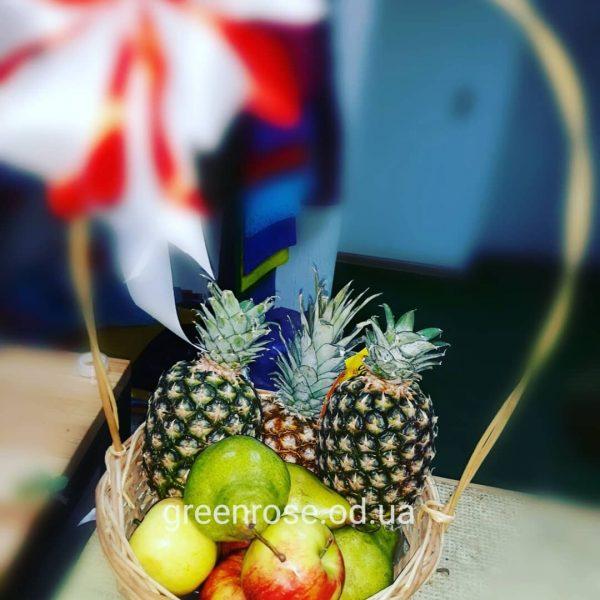 Корзина фруктов на подарок