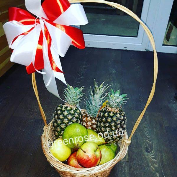 Корзина фруктов на подарок одесса