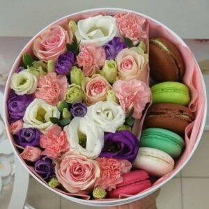 подарочный набор из цветов макарун