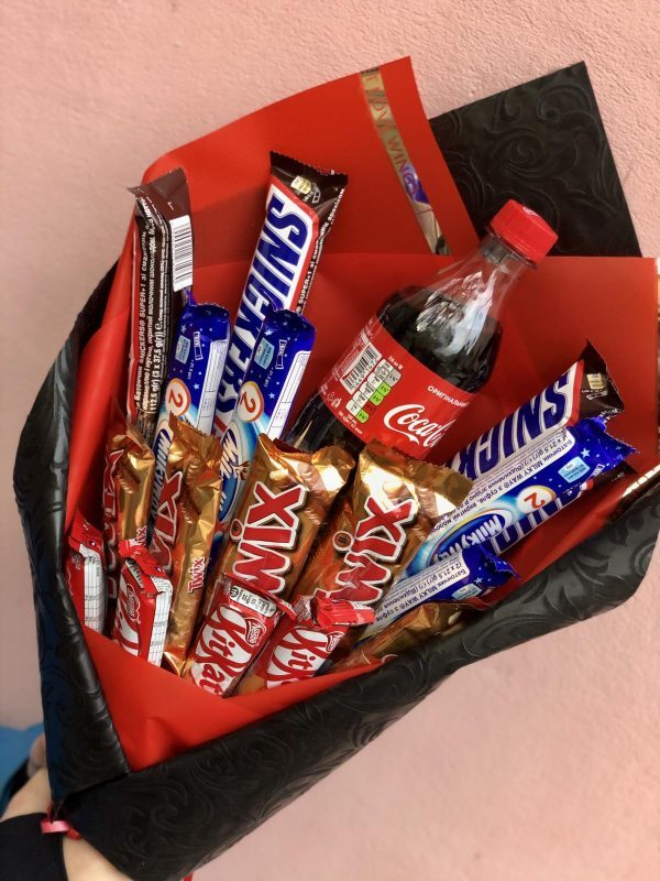 "Букет ""Кока-кола"" и шоколвдки"