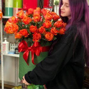 Коробка гигант из оранжевых роз 51 шт