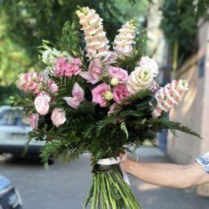 Сборный букет из экзотических цветов