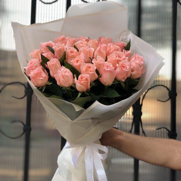 Розовые розы 35 шт, вид сверху
