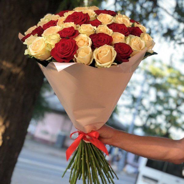 51 роза микс красная + желтая