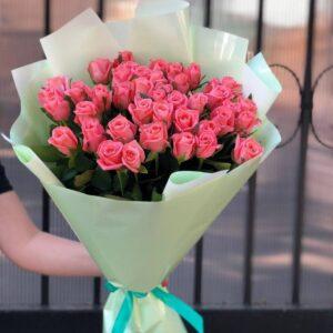 Розовые розы 45шт